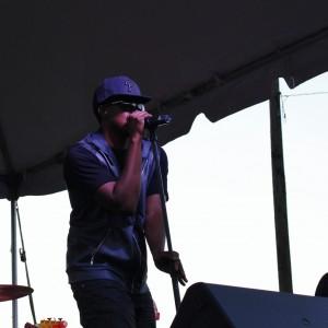 Walt Anderson serenades the crowd in Gateway Park.